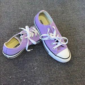 Converse: lilac short top converse